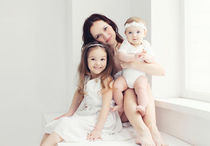 madre de dos niñas