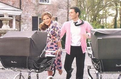 Silvercross. Mark Anthony y Jennifer López con sus gemelos en carrito