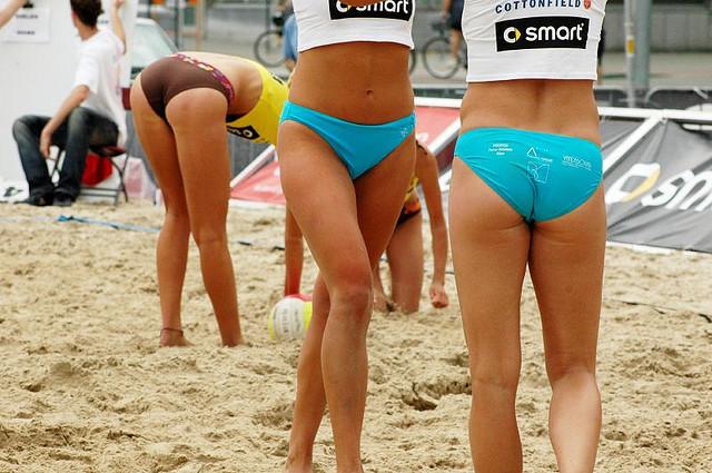 Jugando a volley playa