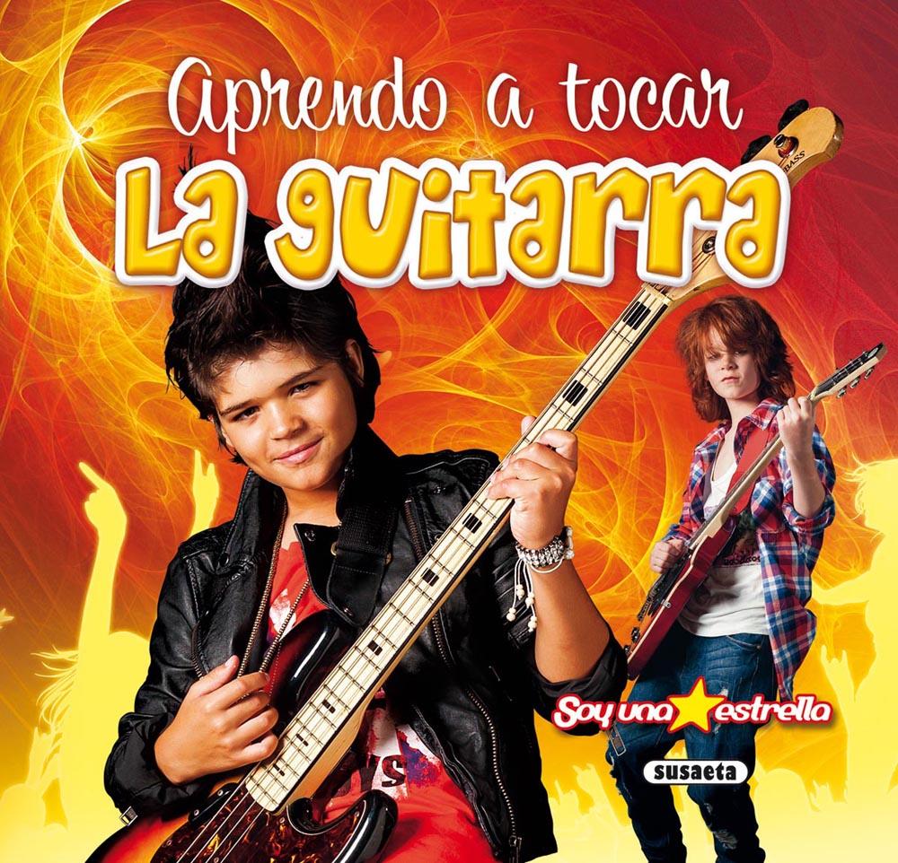 Cub tocar la guitarra
