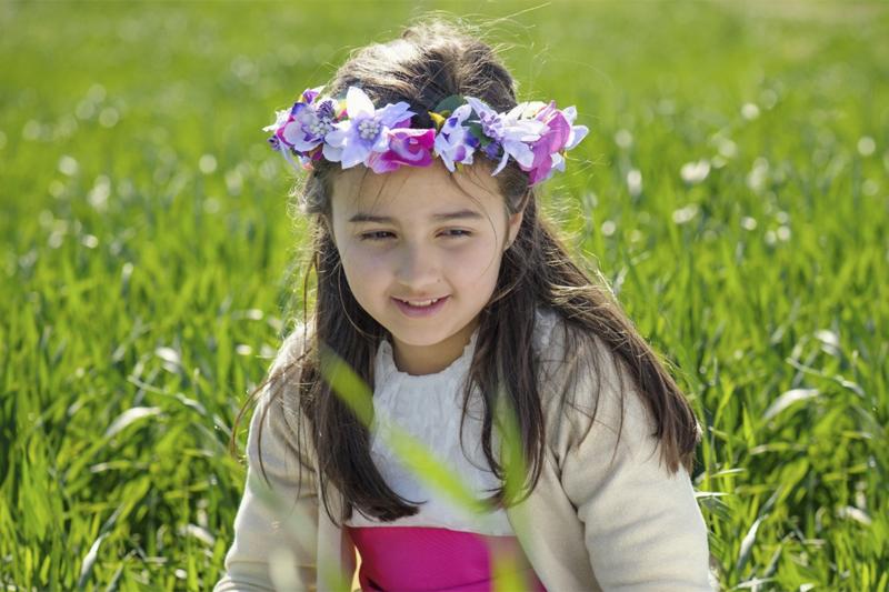 Diademas de flores para comunión. Nita complementos. Foto: SilverMoon Fotografía