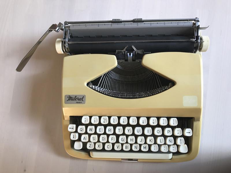 maquina de escribir con chalk paint 2