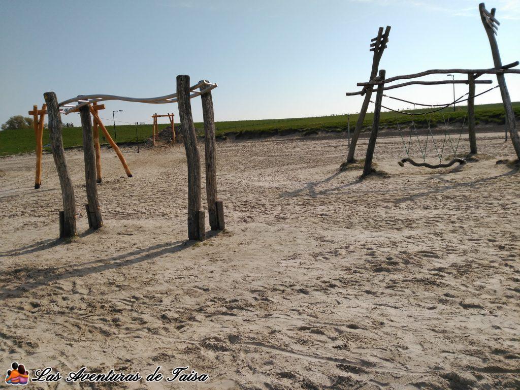 Parque-en-la-playa-del-Nordsee-junto-a-Center-Parcs-1024x768